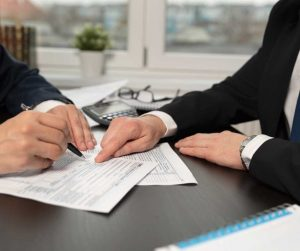 il contratto di mandato con e senza rappresentanza