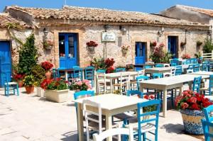 taverna,_la_piazza