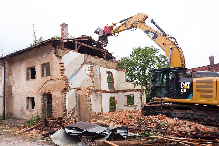 La cessione di immobile da demolire non configura cessione d'area: la posizione della Cassazione