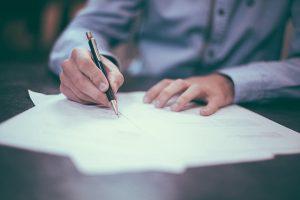 Lavoro, compilazione moduli, contributi previdenziali