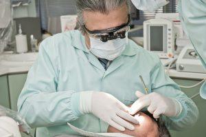 accertamento basato sul guantometro per odontoiatra