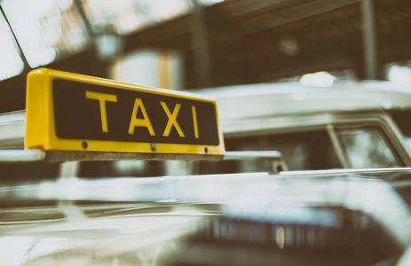 Cessione di licenza taxi